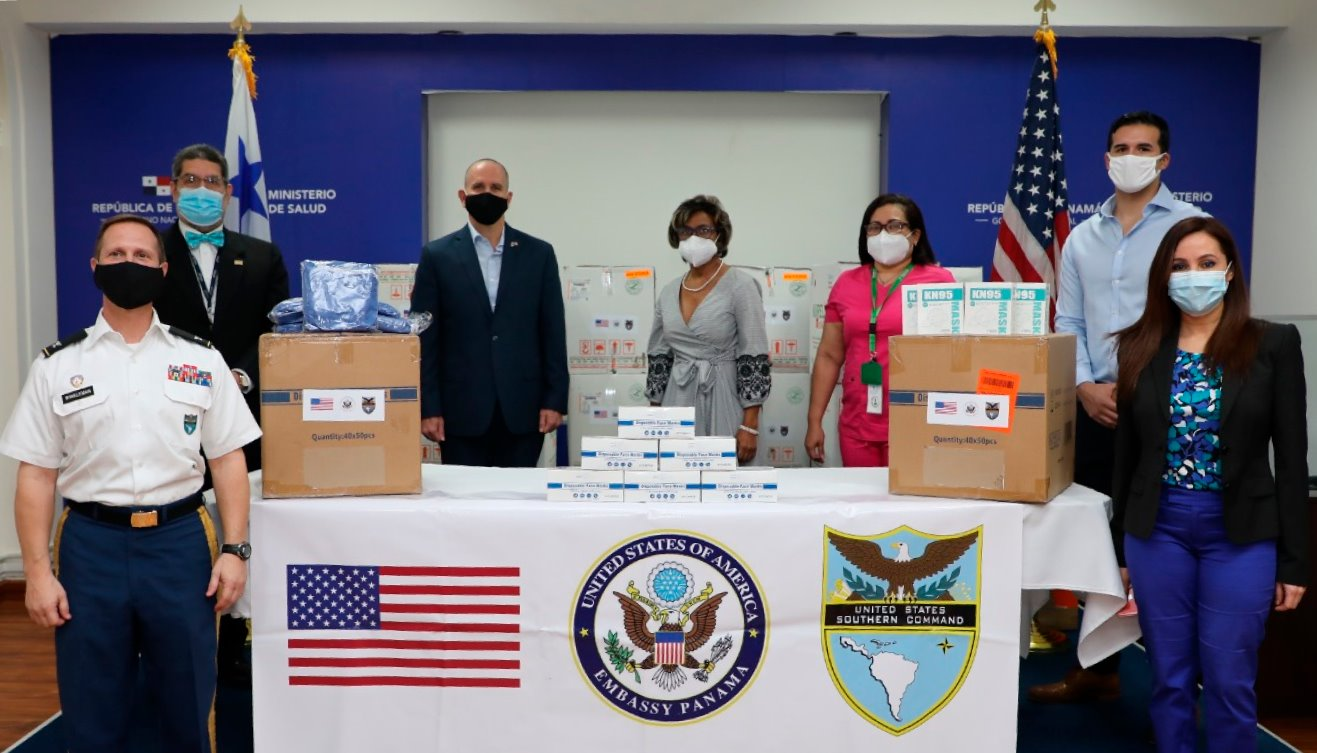 On July 27, the United States delivered personal protection equipment to the Ministry of Health of Panama, for the San Miguel Arcángel hospital in Panama City and the health regions of Chiriquí and Colón. The donation, valued at close to $90,000, included 35,000 masks for medical use, 6,000 medical uniforms, more than 125,000 surgical caps, and more than 175,000 gloves, all under the medical standards required by the Ministry of Health of Panama. (U.S. Embassy Panama photo)