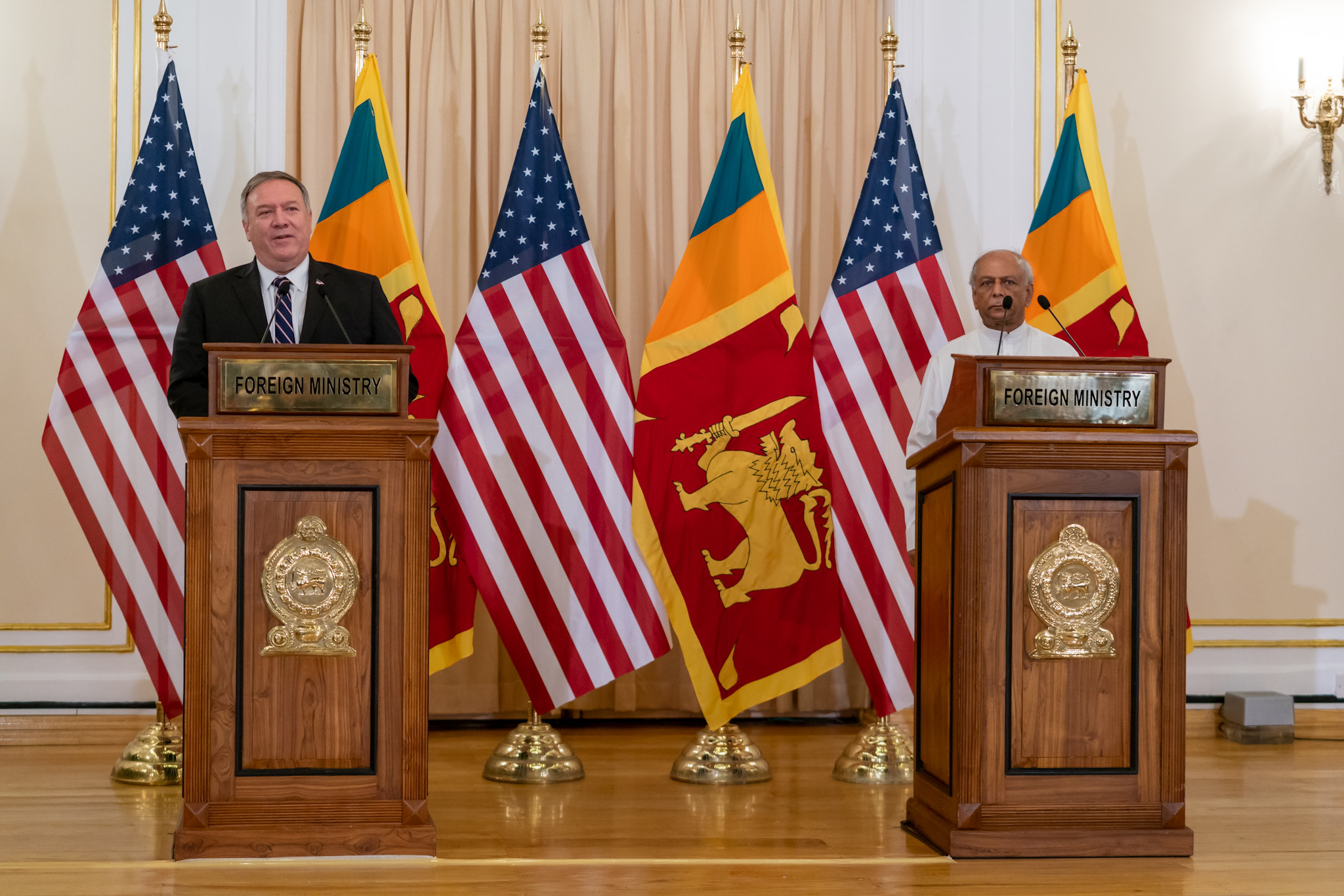 Secretary of State Michael R. Pompeo holds a joint press availability with Sri Lankan Foreign Minister Dinesh Gunawardena in Colombo, Sri Lanka. [State Department Photo by Ron Przysucha/ Public Domain]